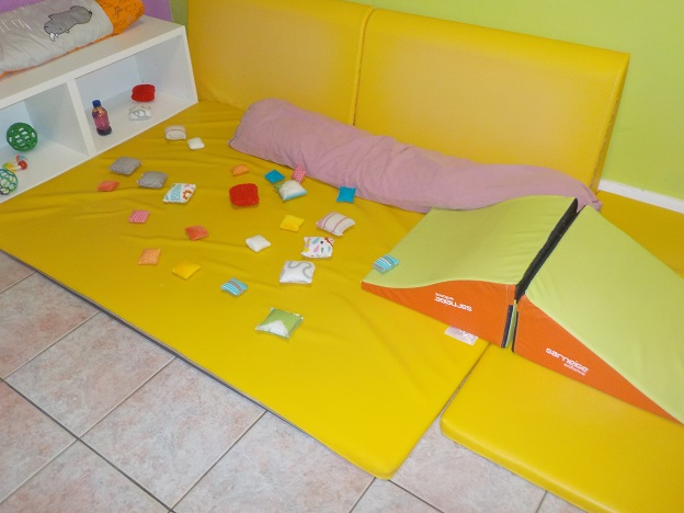 Parcours bébés et coussins sensoriels